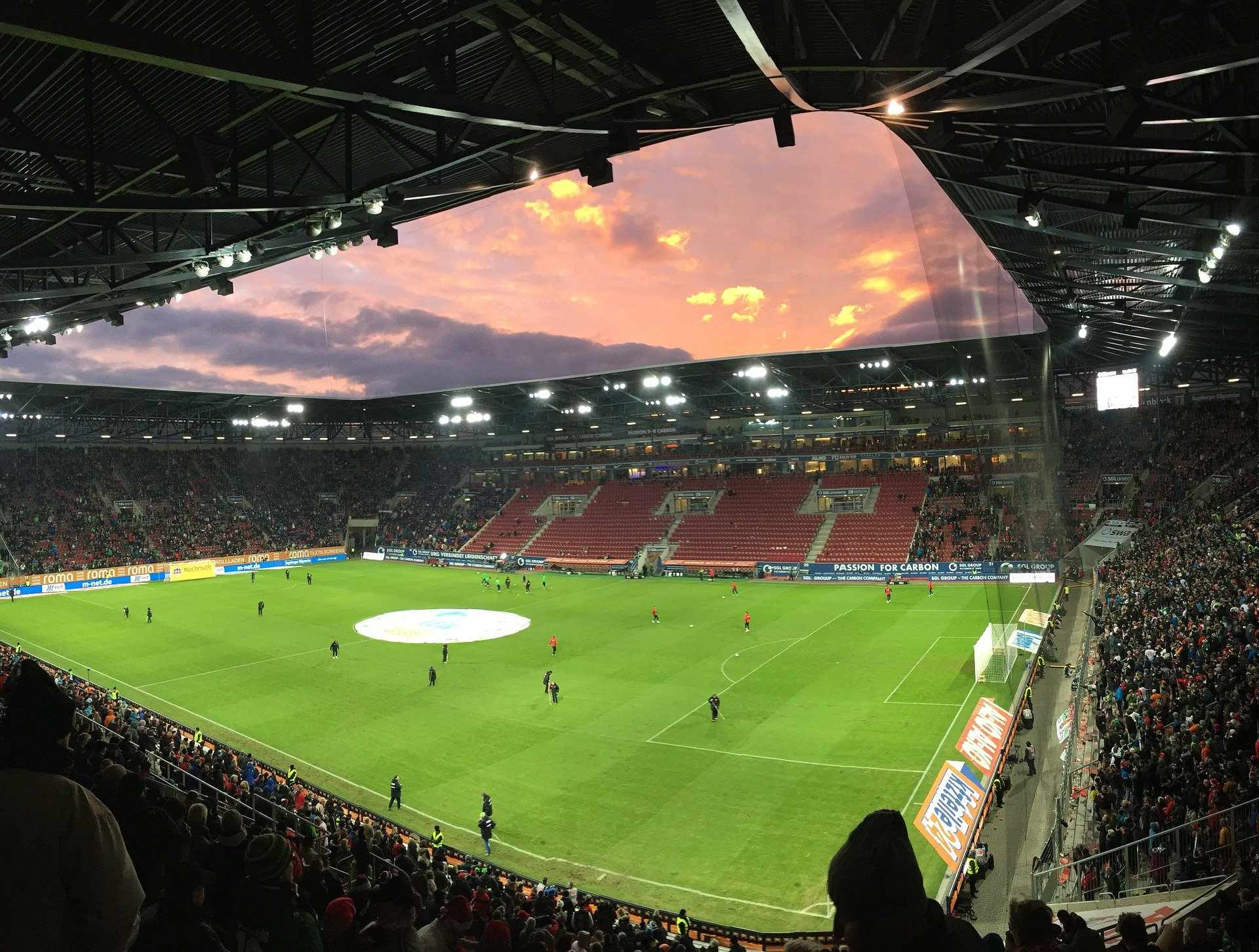 Fußball: Neues aus der Augsburger Puppenkiste von Caiuby und Hinteregger