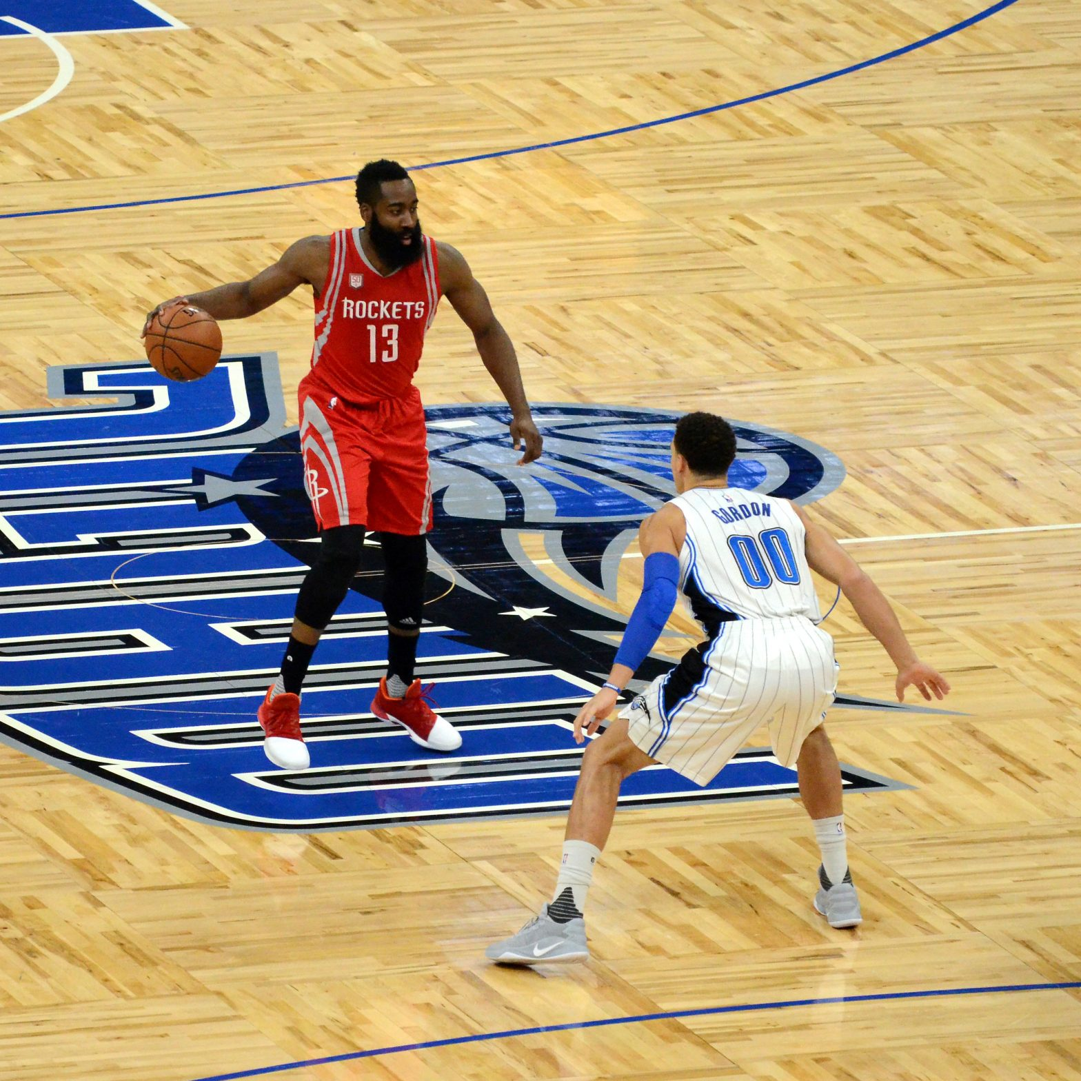 """Jose Garcia from Orlando FL, USA (https://commons.wikimedia.org/wiki/File:James_Harden_And_Aaron_Gordon_(31811616060).jpg), """"James Harden And Aaron Gordon (31811616060)"""", https://creativecommons.org/licenses/by/2.0/legalcode"""