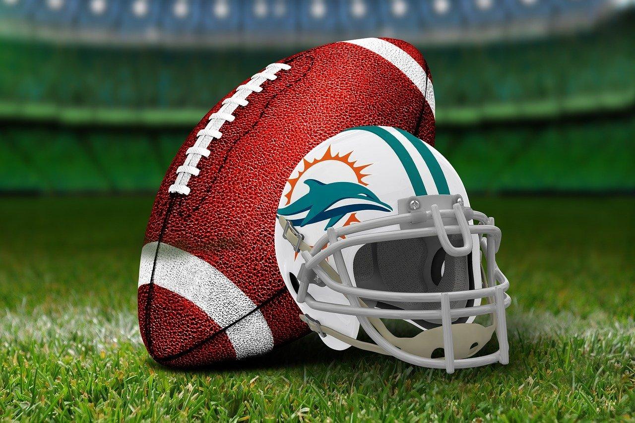 https://pixabay.com/de/photos/american-football-3579691/