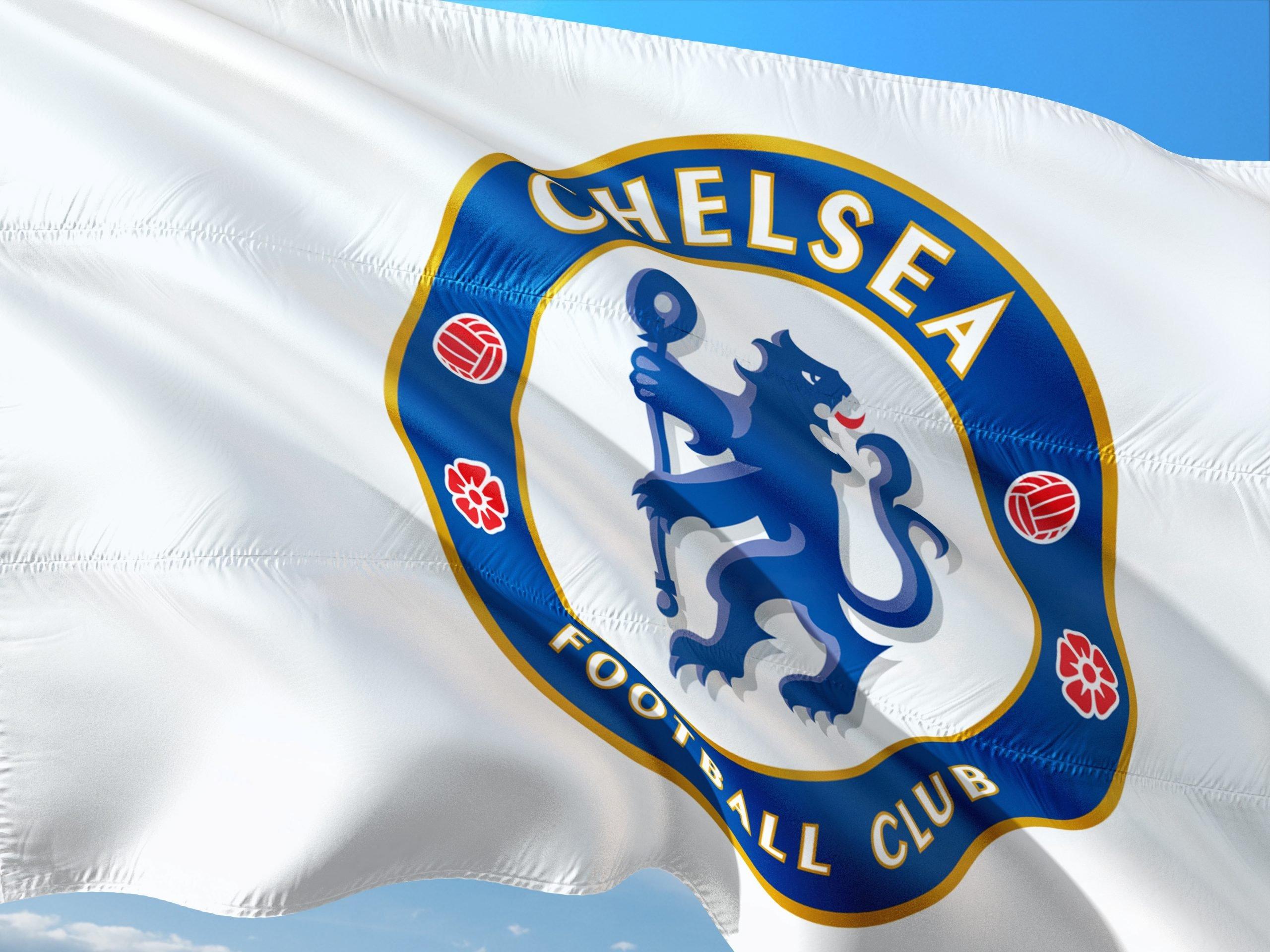https://pixabay.com/de/photos/fu%C3%9Fball-soccer-europe-europa-uefa-2699594/