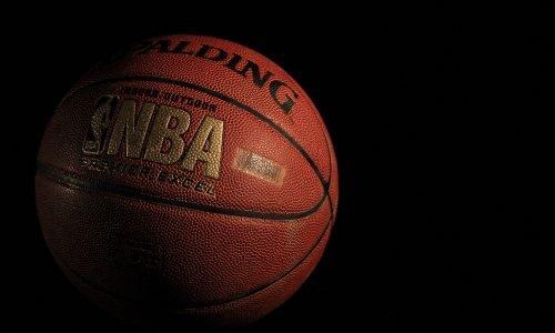 NBA: Brooklyn's ball artists slowed down (in English)